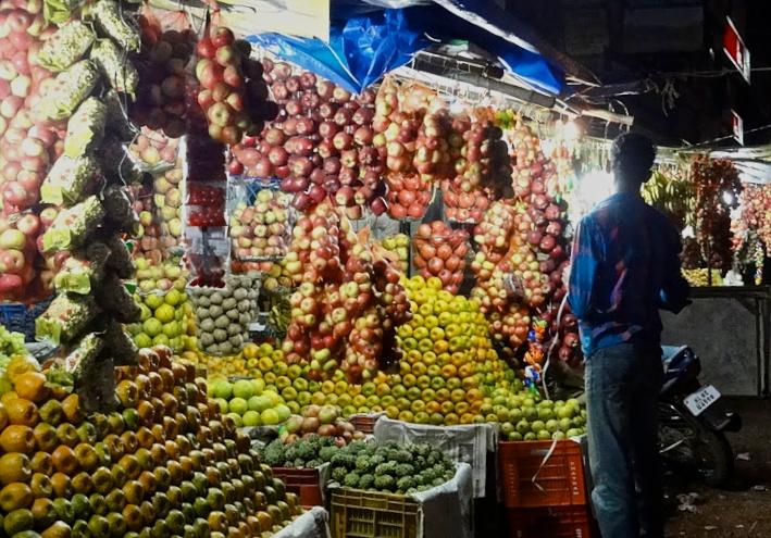 Karungappalli fruit stall