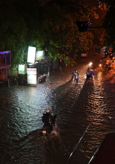 Flash flood Hue 10th June 2013