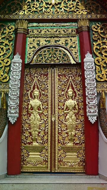 doors of wat Jetlin Chiang Mai