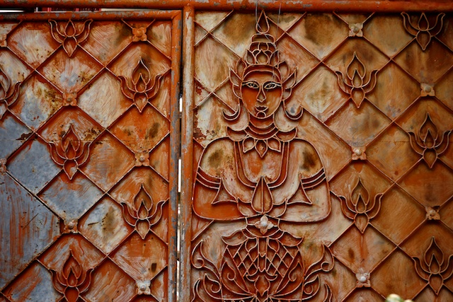 Chaing Mai Temples Wat Saen Fang rusty gates