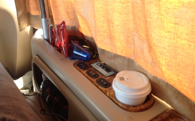 Hot drinks and massaging chairs on Transtar Coach