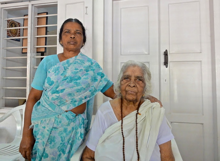 Two Indian ladies - No smiling in Indian portraits