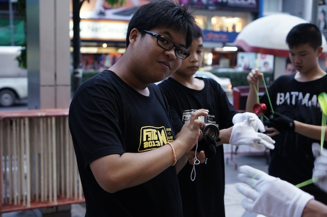 yo-yo craze Bangkok 2013