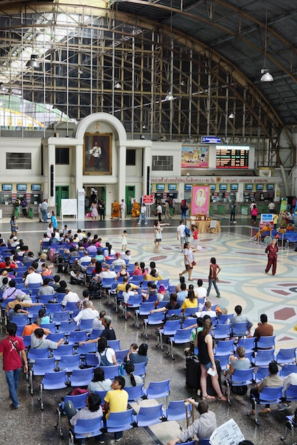 Hua Lamphong main waiting area, Bangkok