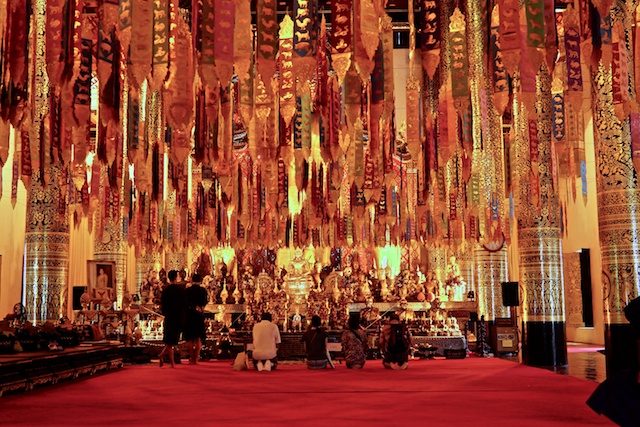 Inside the main ordination hall of Wat Chedi Luang
