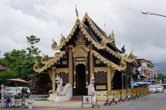 Wat Inthakin Saduemuang