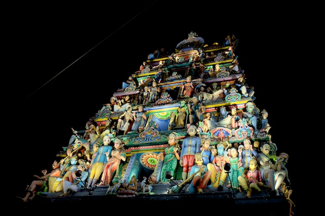 Two Mostly Free Days in Singapore Sri Mariamman Temple